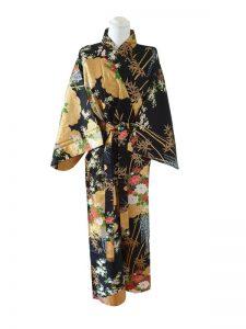 Japanse kimono met bloemen dessin katoen zwart