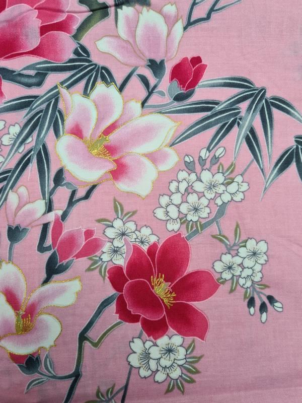 Kimono kort met bloem dessin roze detail